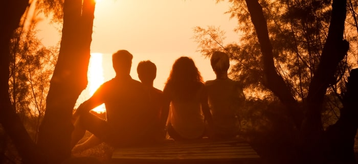 family-silhouette-sunset